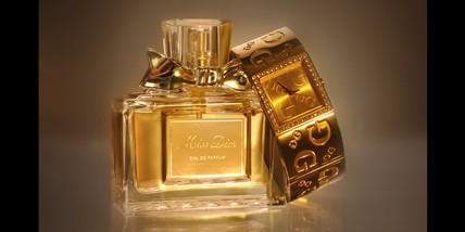 03-parfum-commercial-photography.jpg